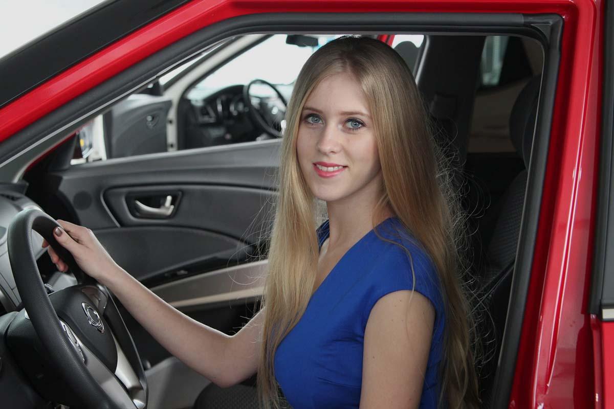 jeune-conducteur-voiture